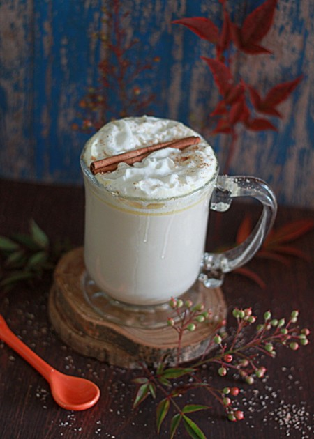 crock-pot-pumpkin-spice-white-hot-chocolate