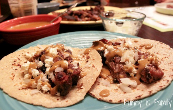 These Crockpot Pork Carnitas are an easy and delicious dinner idea!