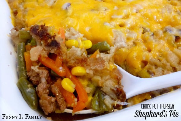 This Crock Pot Shepherd's Pie recipe is a hearty dinner your whole family will love! If you're looking for a way to use up those leftover potatoes, this is the dish for you!